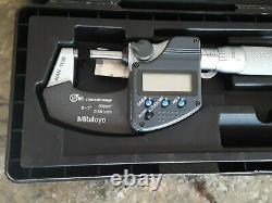 Mitutoto 0-1 Digital Micrometer. 0001 no battery or battery cover included