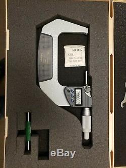 Mitutoyo 293-347-30 Digital Micrometer, 3-4