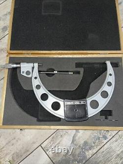 Mitutoyo 293-355 Digital Outside Micrometer, 9-10 Inch USED
