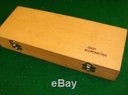 Mitutoyo 317-711-30 Uni-Mike Interchangeable Anvil Digital Micrometer 0-1