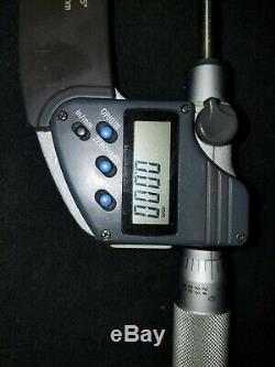 Mitutoyo 422-330 0-1 Digital LCD Display Blade Micrometer. 00005 0.001MM lot13